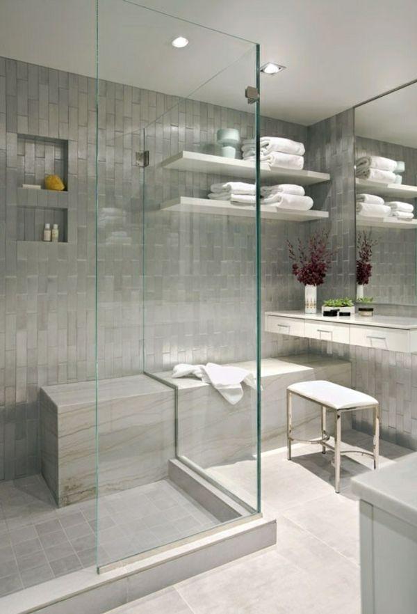 super moderne graue Fliesen und Duschkabine aus Glas Badezimmer - badezimmer mit grauen fliesen