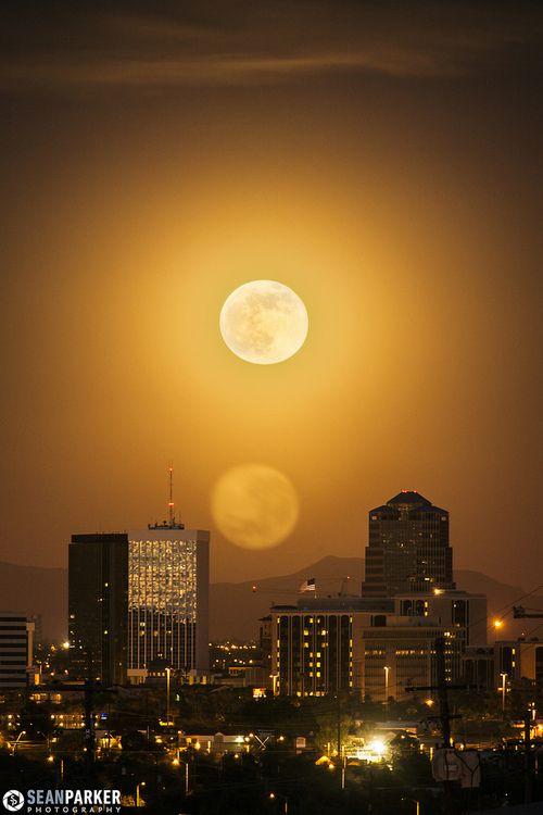 Supermoon Flare (Arizona/USA) by Sean Parker Photography