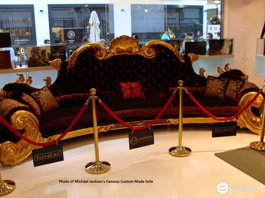 The Furniture Michael Jackson S Baroquean Couch 215 000