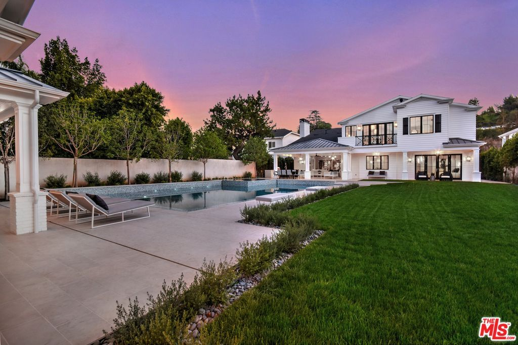Million Dollar Listing La 15967 Valley Vista Blvd Encino Ca 91436 Zillow Encino Vista House Exterior