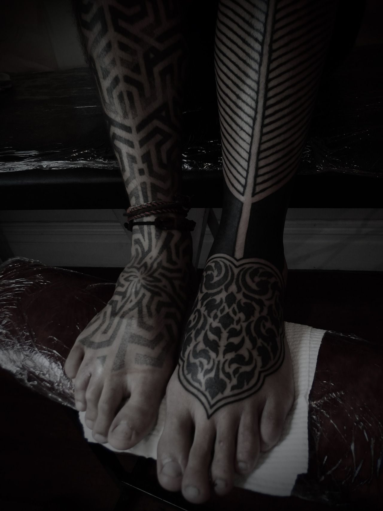 Guy Le Tatooer His right leg was done by Tomas Tomas . The