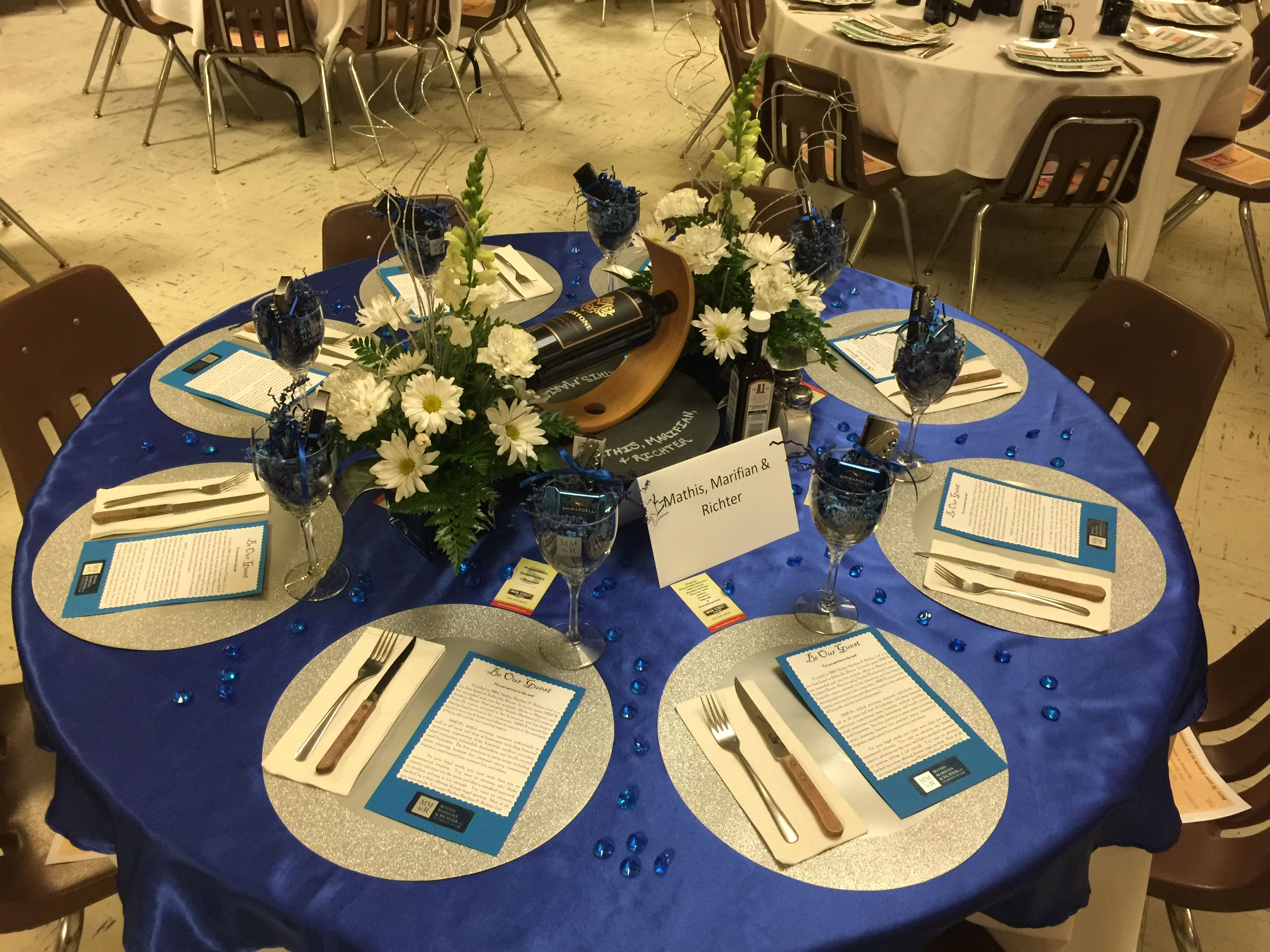 Chamber of commerce table decoration for annual meeting for Annual dinner decoration