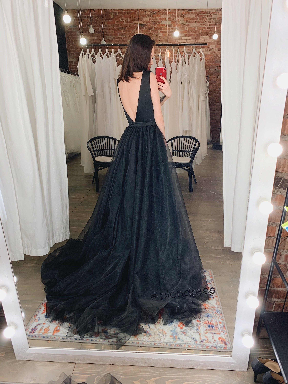Sexy tiefem V-Ausschnitt schwarz offenen Rücken Brautkleid, Dark Tüll Brautkleid, Satin elegantes Brautkleid PAULINA