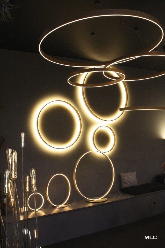 Joli luminaire design et poétique en verre et métal