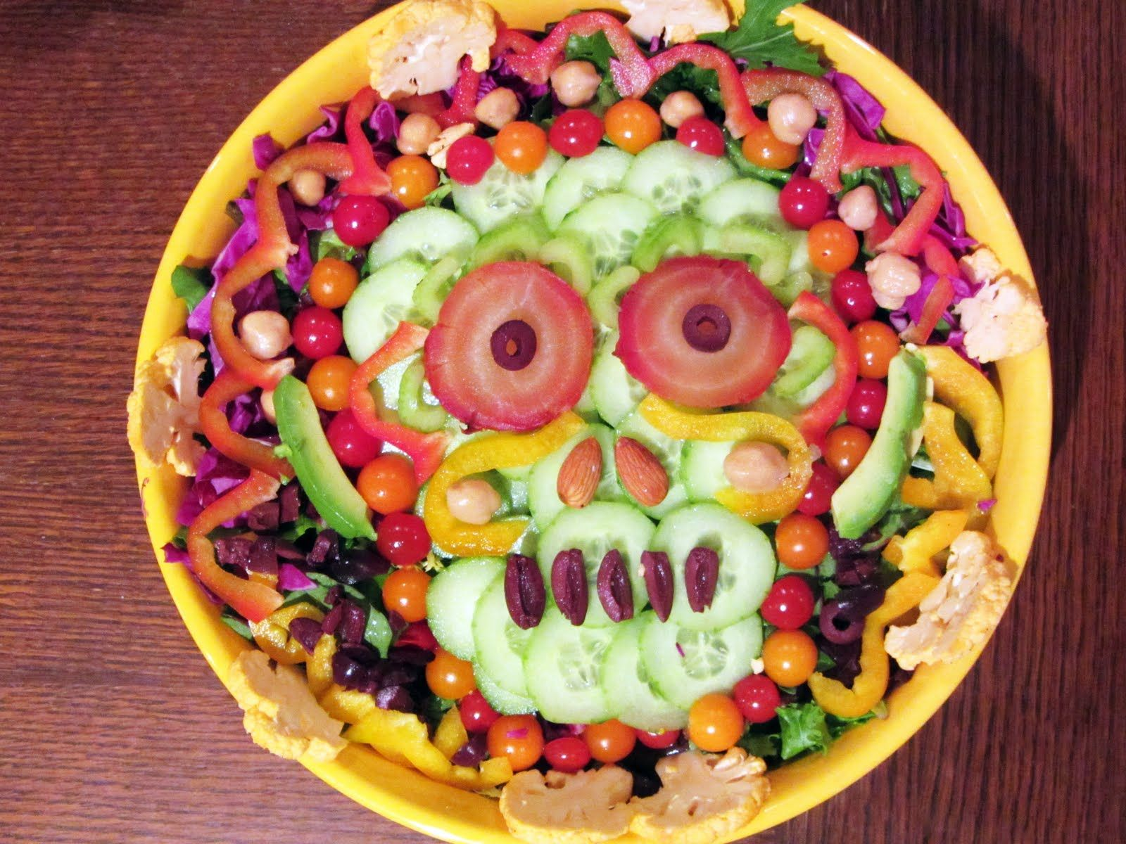 Vegan Eats & Treats!: Day of the Dead Salad! #diadelosmuertos ...