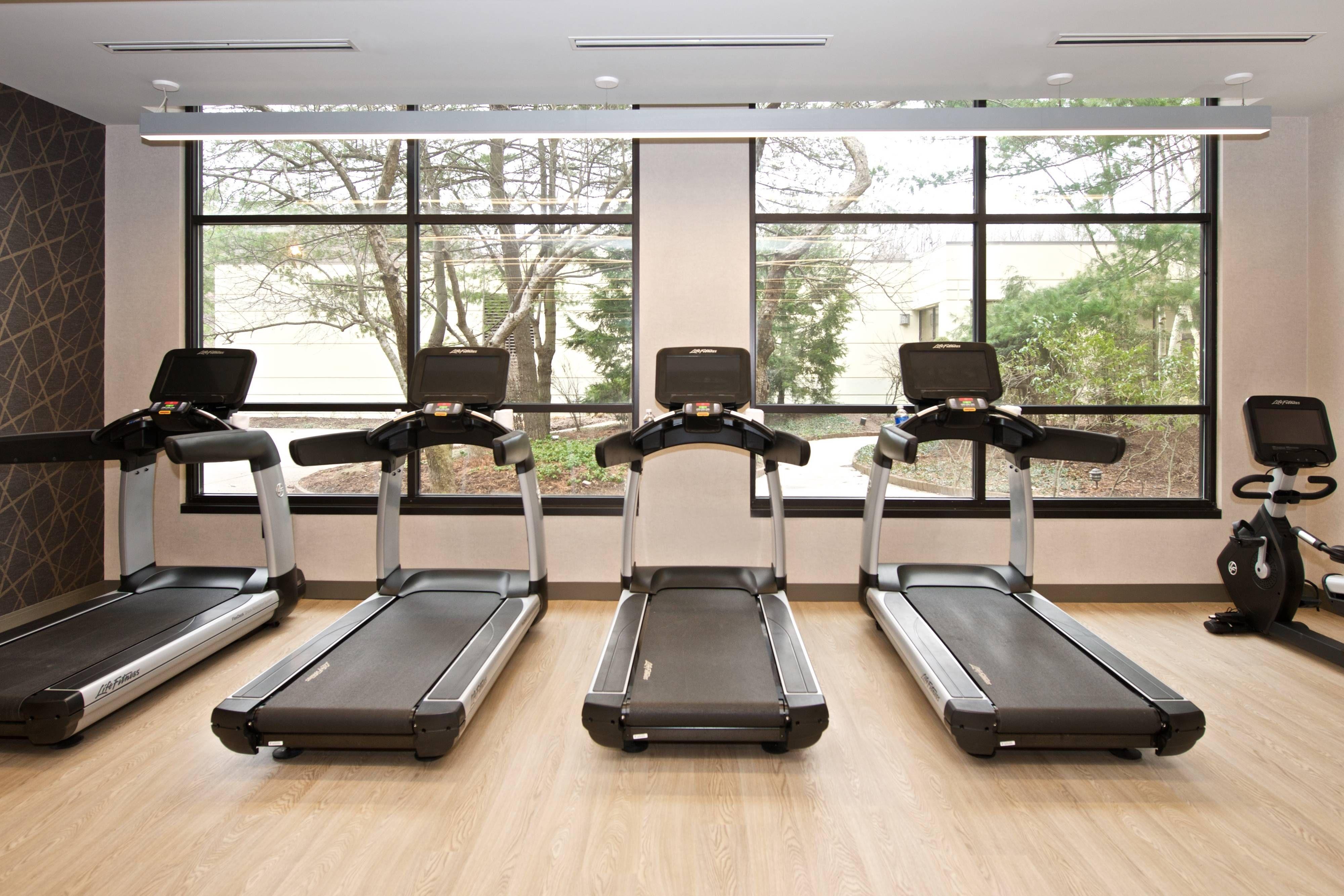 Pittsburgh Airport Marriott Fitness Center - Cardio