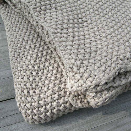 plaid tricot point mousse en coton taupe et sable kate knitting pinterest. Black Bedroom Furniture Sets. Home Design Ideas