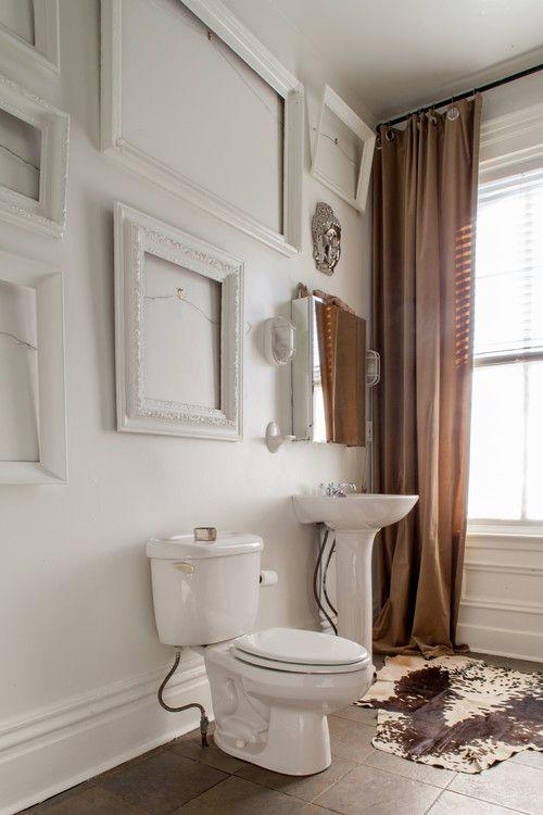 طرق فن تعليق البراويز الفريمات على الجدار افكار وامثلة Basement Bathroom Remodeling Basement Bathroom Design Eclectic Bathroom