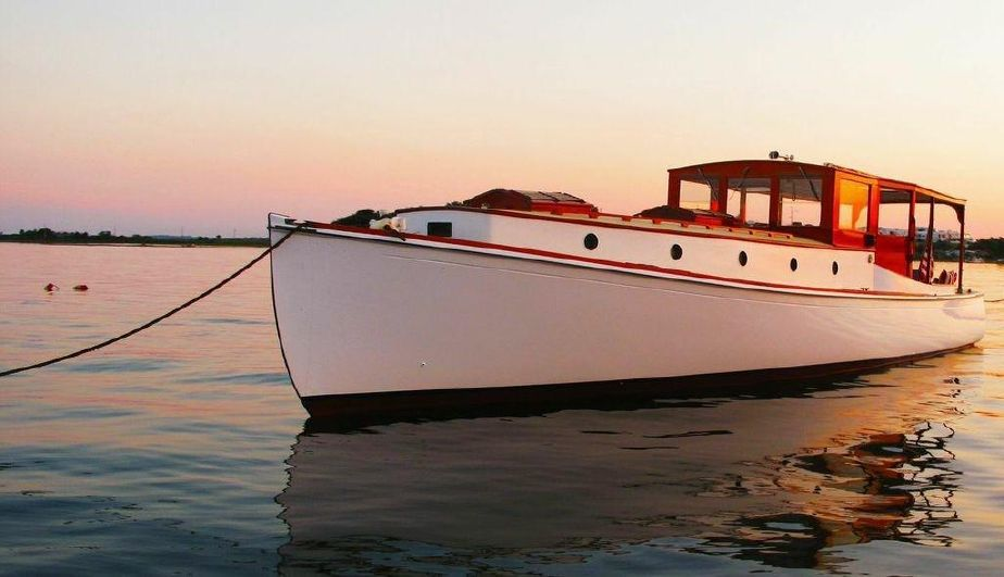 1928 42ft classic maine yacht hardtop picnic cruiser temma 100 000 boats. Black Bedroom Furniture Sets. Home Design Ideas