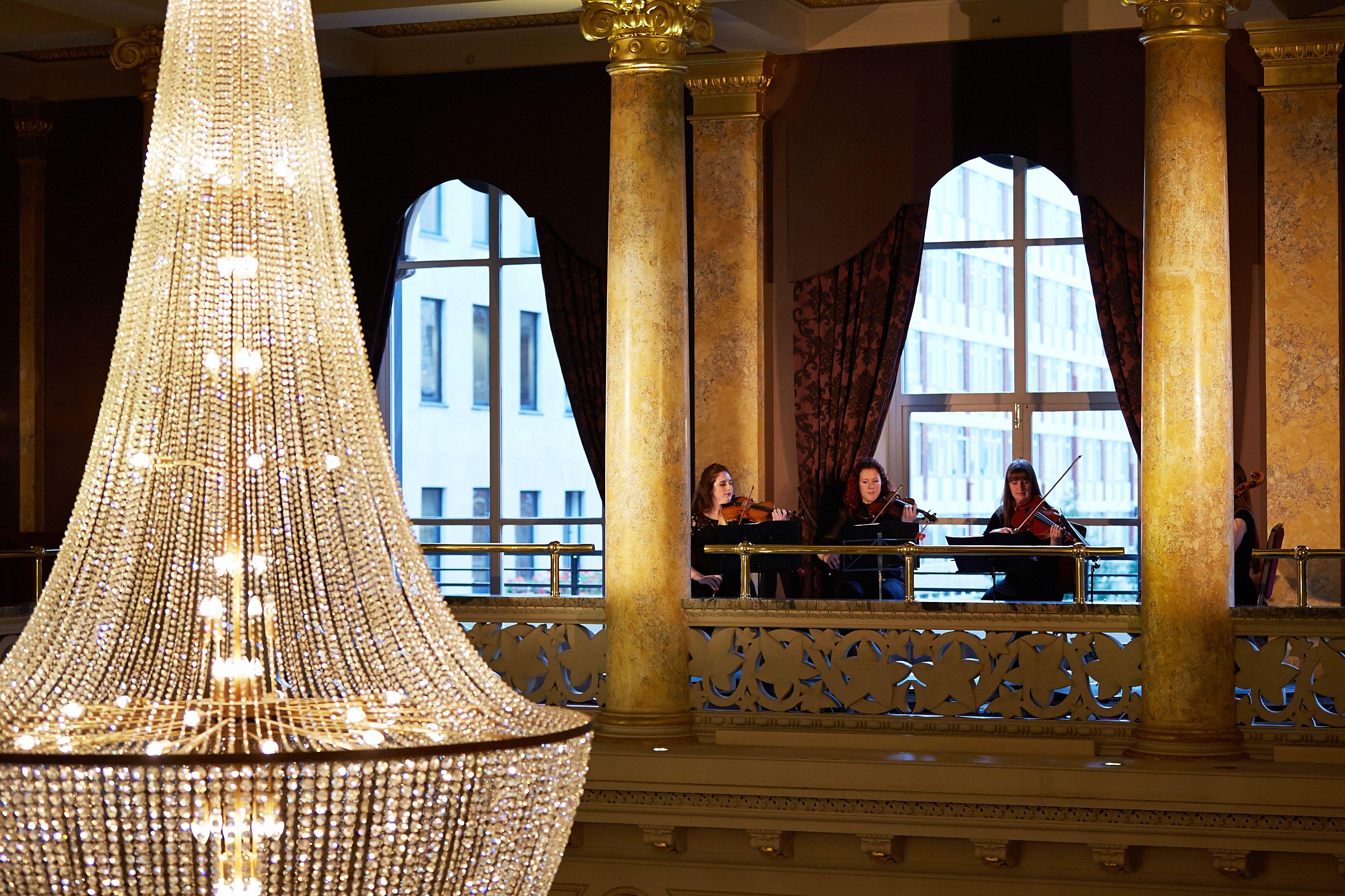 Chandelier In The Grosvenor Hotel Grosvenor Hotel London London Hotels Hotel