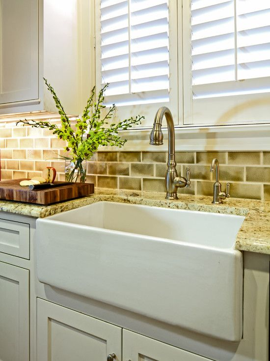 Traditional Kitchen #kitchen #faucet #kitchendesign #kitchenidea #kitchensink #luxurykitchen #kitchenfaucet #sink --- www.faucetx.com