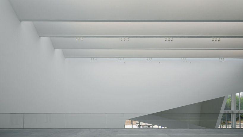 China's largest contemporary art space - the Minsheng Contemporary Art Museum in Beijing opens. http://www.vantage-magazine.com/culturalist/studio-pei-zhu-minsheng-art-museum.html