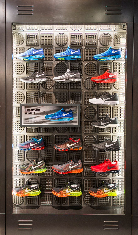 Amazon Jungle jag blev förvånad genetiskt  Nike Retail Interior | Flyknit Lunar 2, Nikestore Westfield-Stratford | by  Millington Associates | Decoração de vitrine, Expositores, Displays
