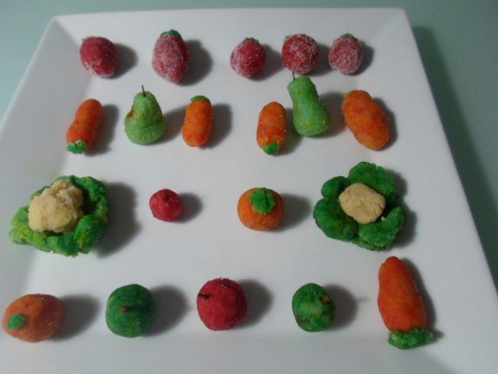 Frutas y verduras de #mazapán en San Dionís, hazlas con los pequeños de la casa les encantará. #Marzipan Fruits and vegetables in St. Dionis, do it with little kids will love.
