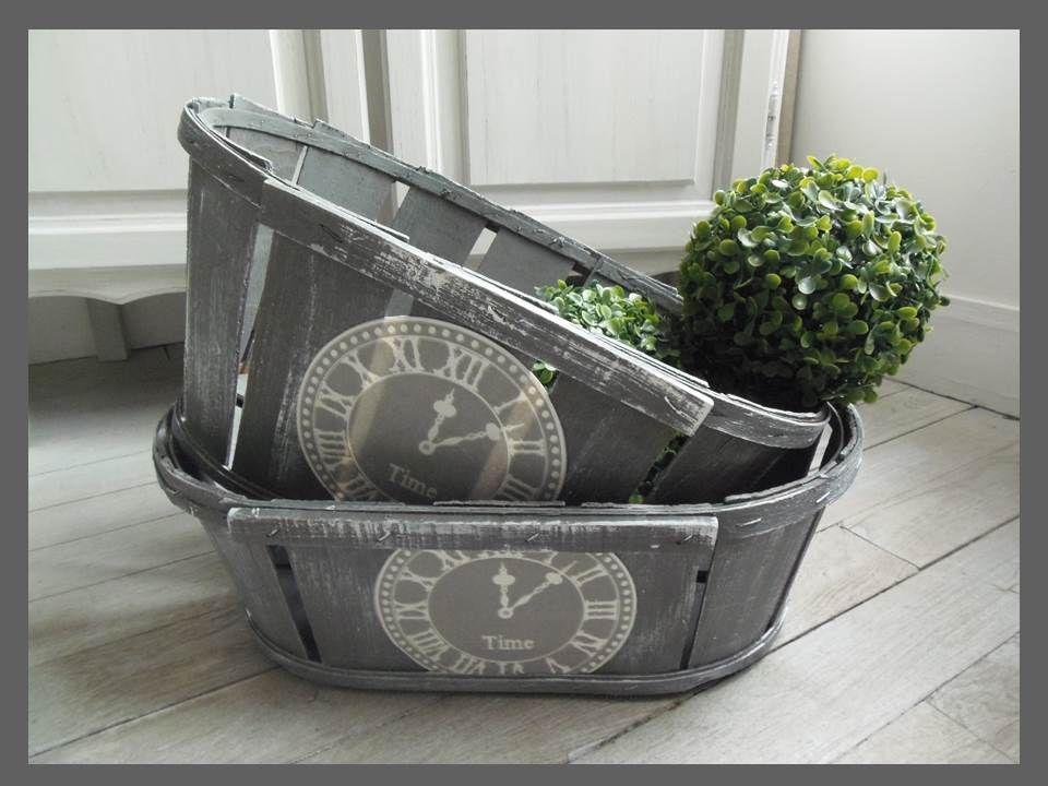 Www Atelierdes4saisons Com Cageots Vintage Relookes Pour Une Seconde Vie Cageot Decorer Une Boite En Bois Cageots Vintage