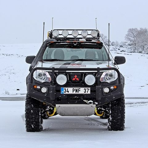 mitsubishi l200 custom full offroad tuning snow. Black Bedroom Furniture Sets. Home Design Ideas