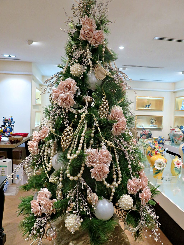 Pin By Rustan S On Christmas Shop 2016 Christmas Tree Pink Christmas Decorations Elegant Christmas Trees