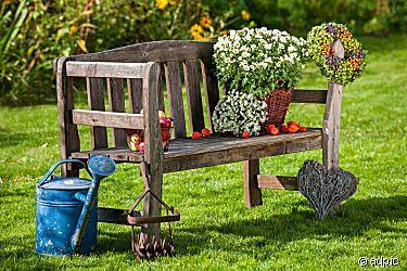 Alte Gartenbank Mit Herbstdekoration Garten Deko Gartendeko