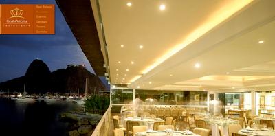 O Restaurante é Especializado em Cozinha internacional, com ênfase em Pratos frutos do mar espanhóis. Além dos Pratos, o real possui adega climatizada Astoria com castas selecionadas salão de Eventos e a vista da Baía de Guanabara e do Pão de Açúcar.