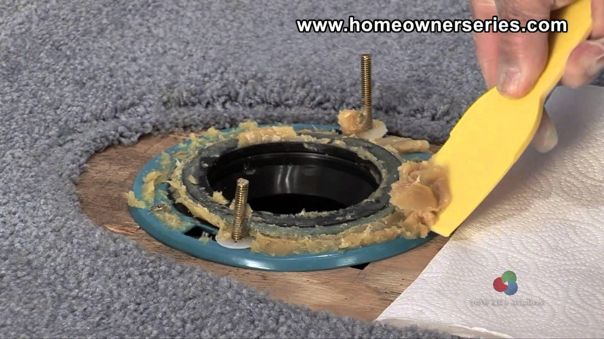 How to fix a toilet diagnostics leaking base