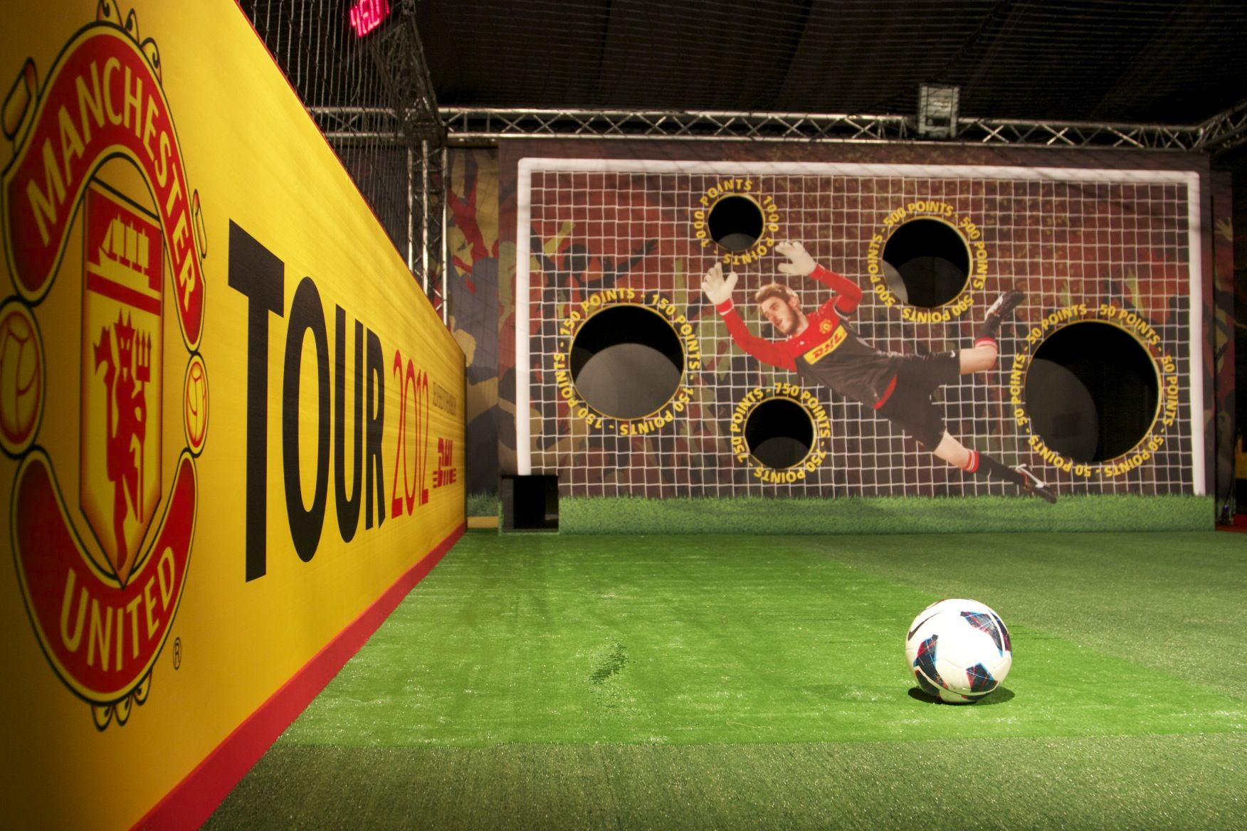 Cool activation by Manchester United on the 2013 world