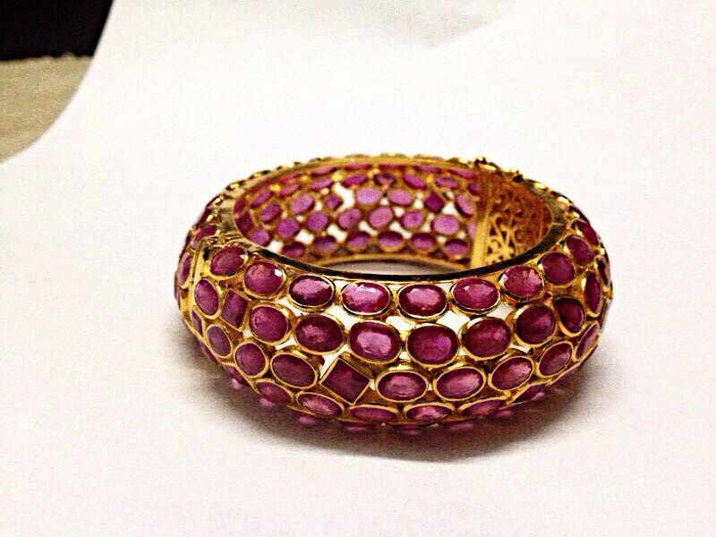 Gold Ruby Bangle #Jewellery #Bracelet #Bangle #Armband #Ruby #Gold #18kgold #Cool #Trendy #Royal #Unique #Luxury #Cooljewellery #Finejewelry #Gems #N #Jewellery #Gemstones #Precious #Jewelry4life #Jewelry #By #Solitaire #impex #Jewelers