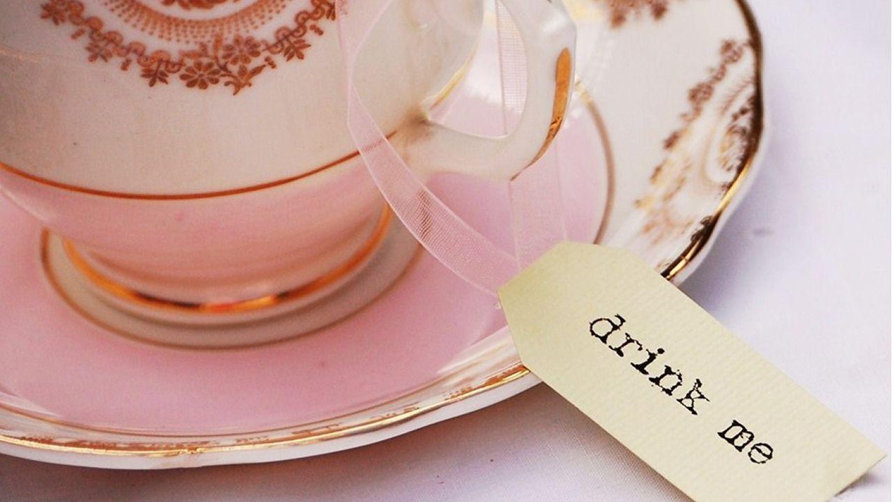 Tea cup a la Alice in wonderland   adorable   Pinterest   Wedding ...