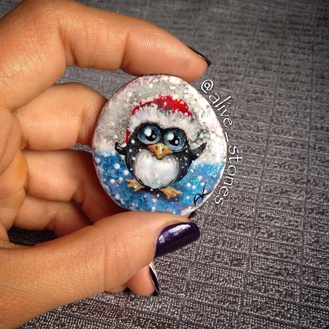 Christmas penguin pebble