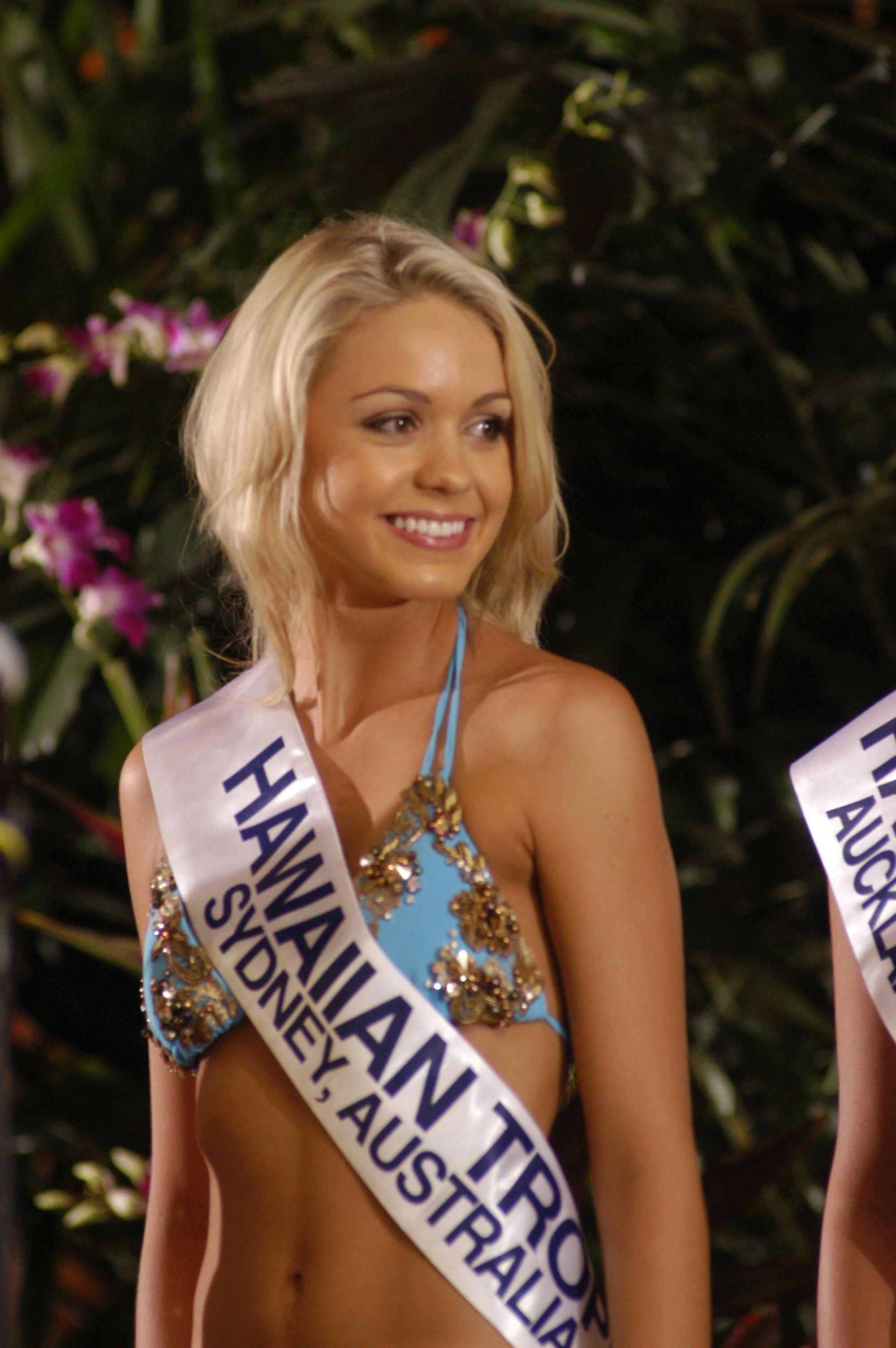 Kelly S Art Journaling Thinking About All Kinds Of: Miss Hawaiian Tropic International 2007