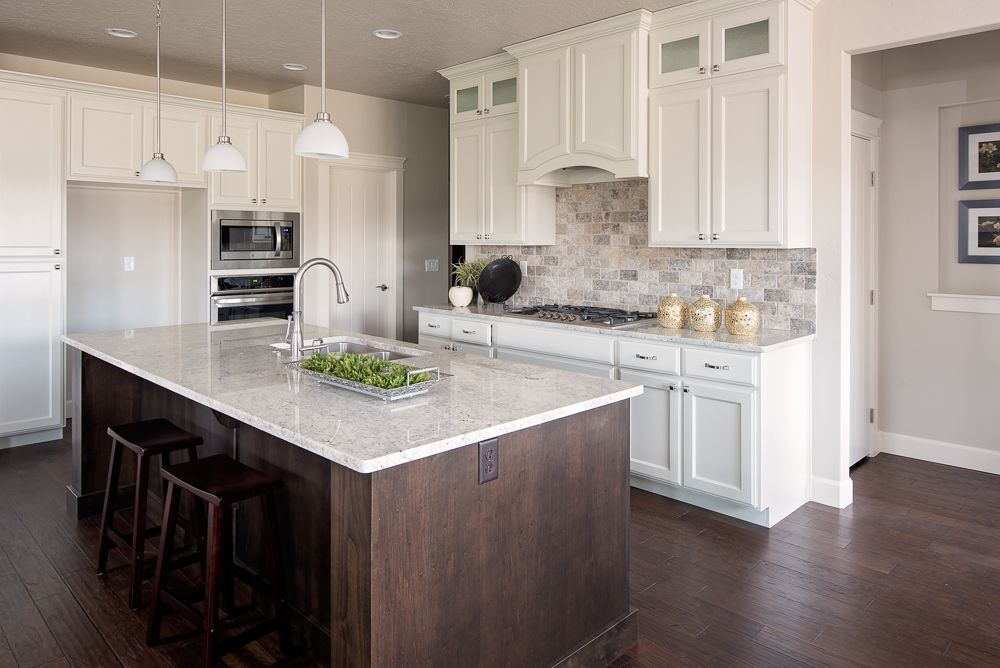 custom built cabinets with upper cabinets to the ceiling gives the kitchen a regal feel the on kitchen cabinets to the ceiling id=49534