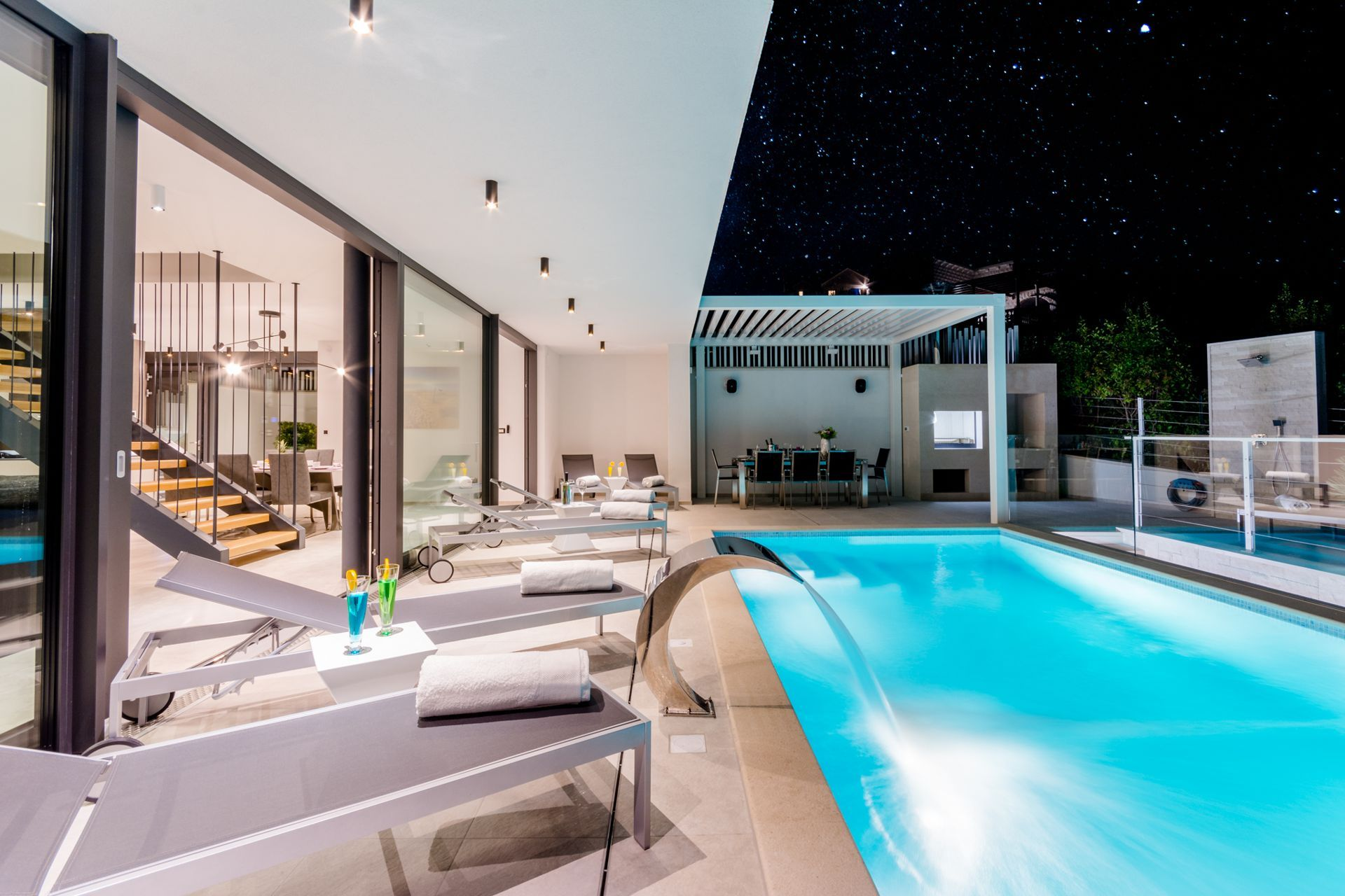 Swimming Pool At Luxury Villa Soleil With Swimming Pool By Night What Do You Think About Holidaying Here Luxury Villa Villa Vacation Home