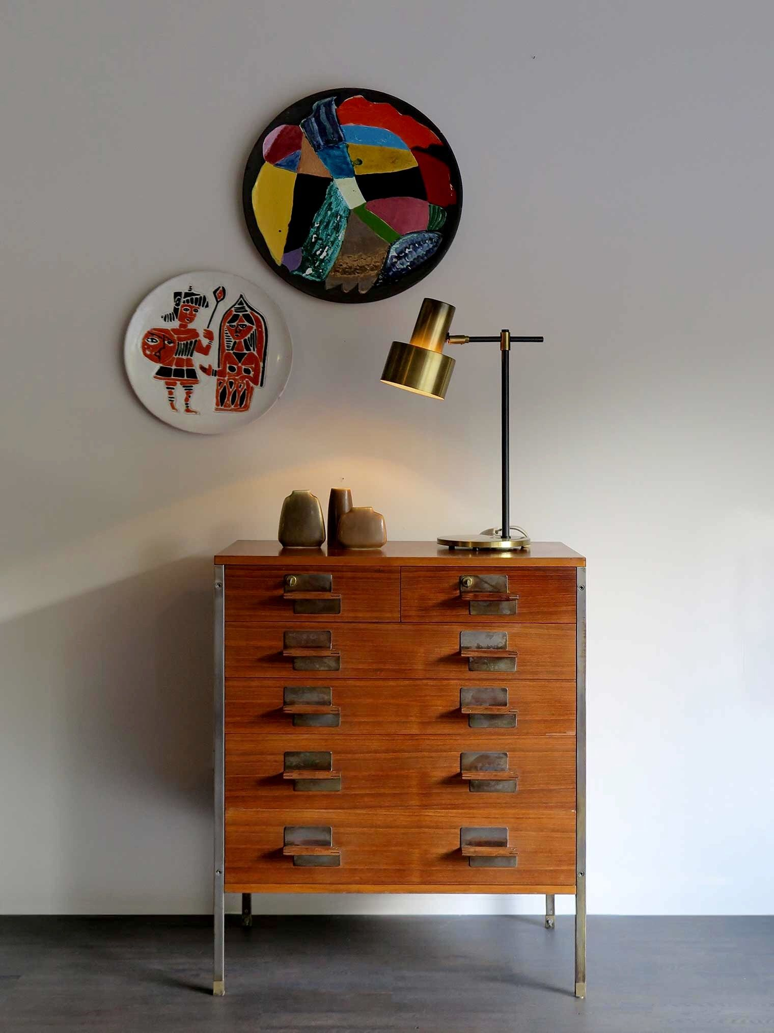 Interior modern design, cabinet in palissandro anni 50, lampada ...
