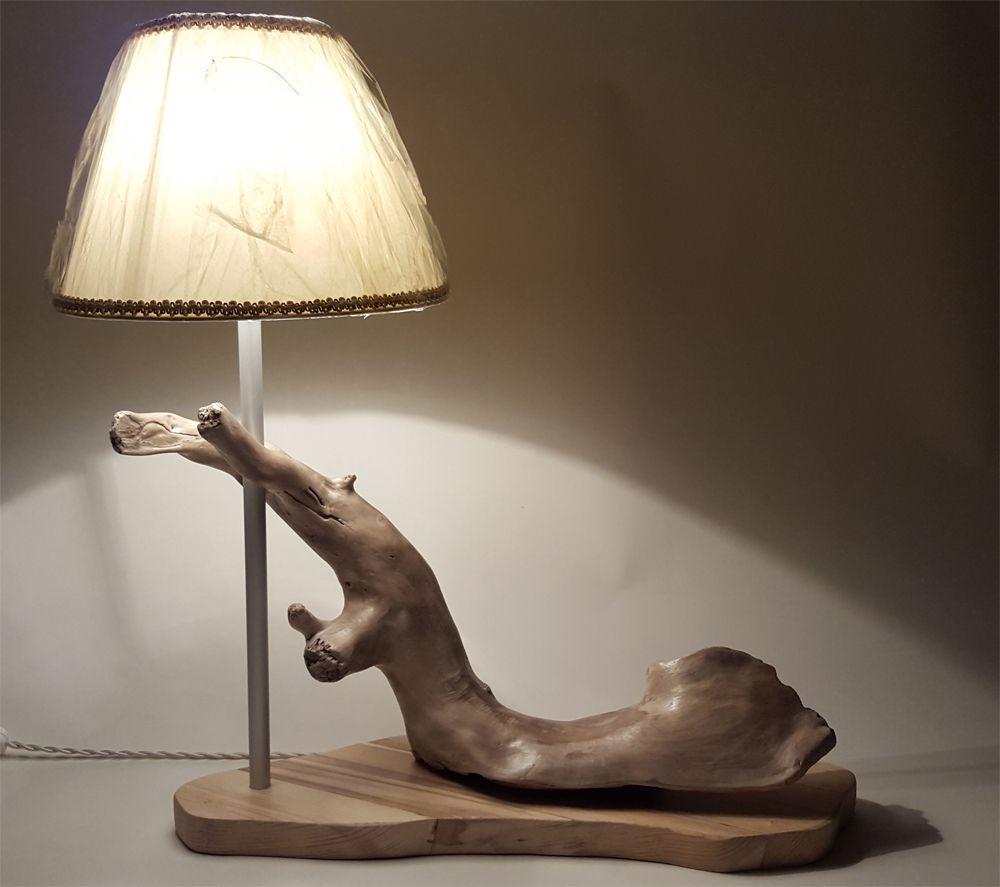 Lampada da tavolo realizzata su una radice il filo in - Lampade da tavolo in legno ...