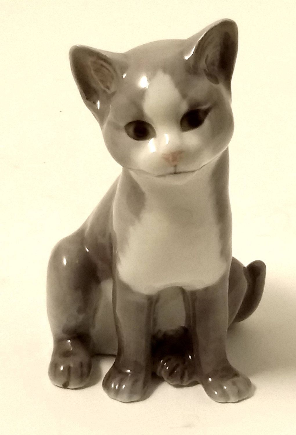 Porcelain Miniatures Collectible Ceramic Stretching Gray Cat FIGURINE Animals