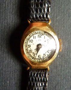 ancienne montre bracelet femme en or massif gold watch montre bracelet femme montre bracelet. Black Bedroom Furniture Sets. Home Design Ideas