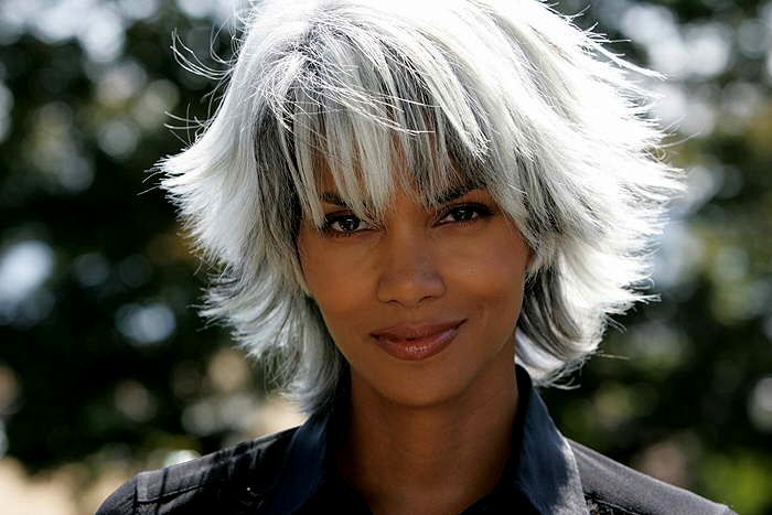 Halle Berry as Storm in X-Men | Long white hair, Grey ...