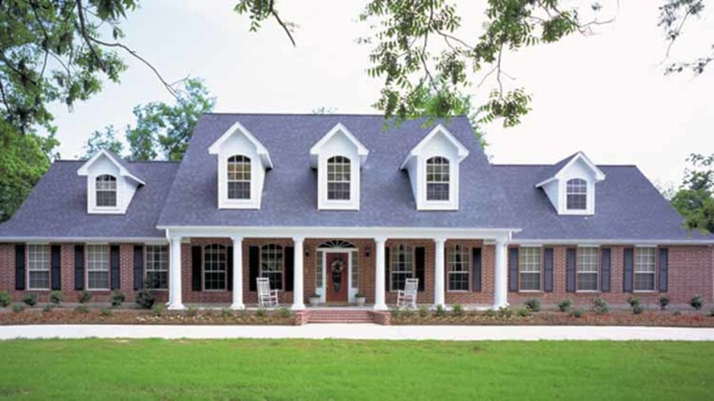 Country Style House Plan 7 Beds 4 5 Baths 4452 Sq Ft Plan 968 39 In 2020 Southern House Plans House Plans Country Style House Plans