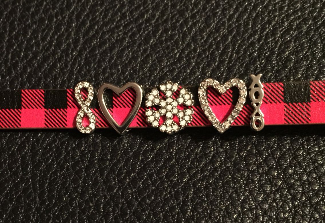 Plaid band w/ silver hearts and snow flake