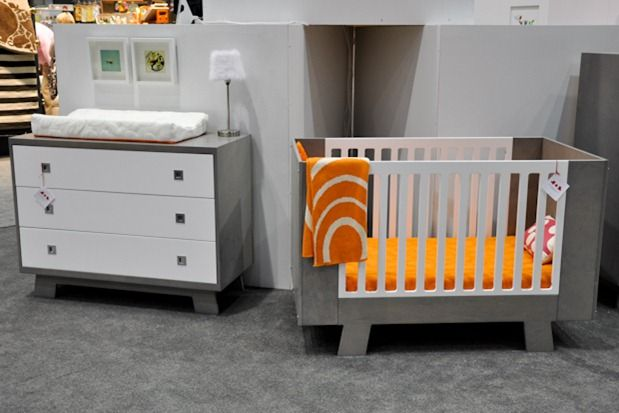 Dutailier S Pomelo Baby Crib Is Made In Canada Is Eco Responsible And 100 Wood With Modern Looks And Clean Lines Their Cribs Ar Baby Cribs Home Decor Cribs