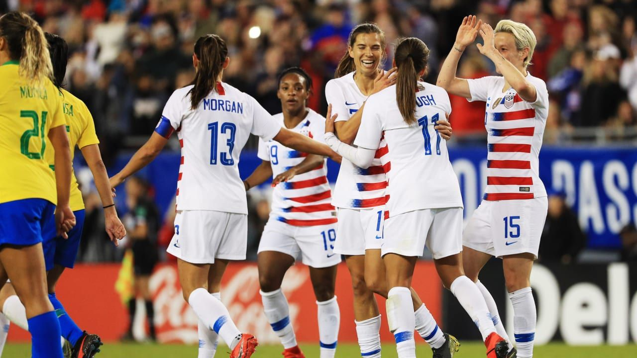 Women S Soccer Champs File Gender Discrimination Lawsuit Against U S Soccer Http Digitallifestyleserve Co Women S Soccer Team Women S Soccer Womens Soccer