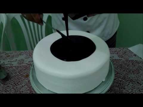 Bolo Confeitado Chantilly Ganache E Arabescos De Chocolate
