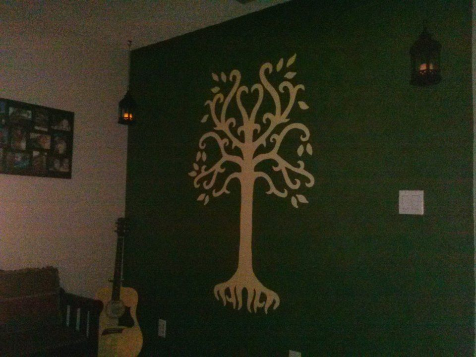 Lord of the rings inspired bedroom decorating for Lord of the rings bedroom ideas