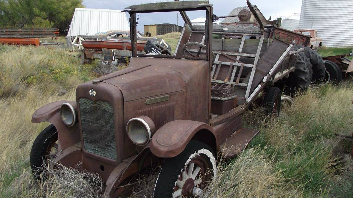 Calendar Worthy! Group of Montana Cars For Sale - http://barnfinds ...