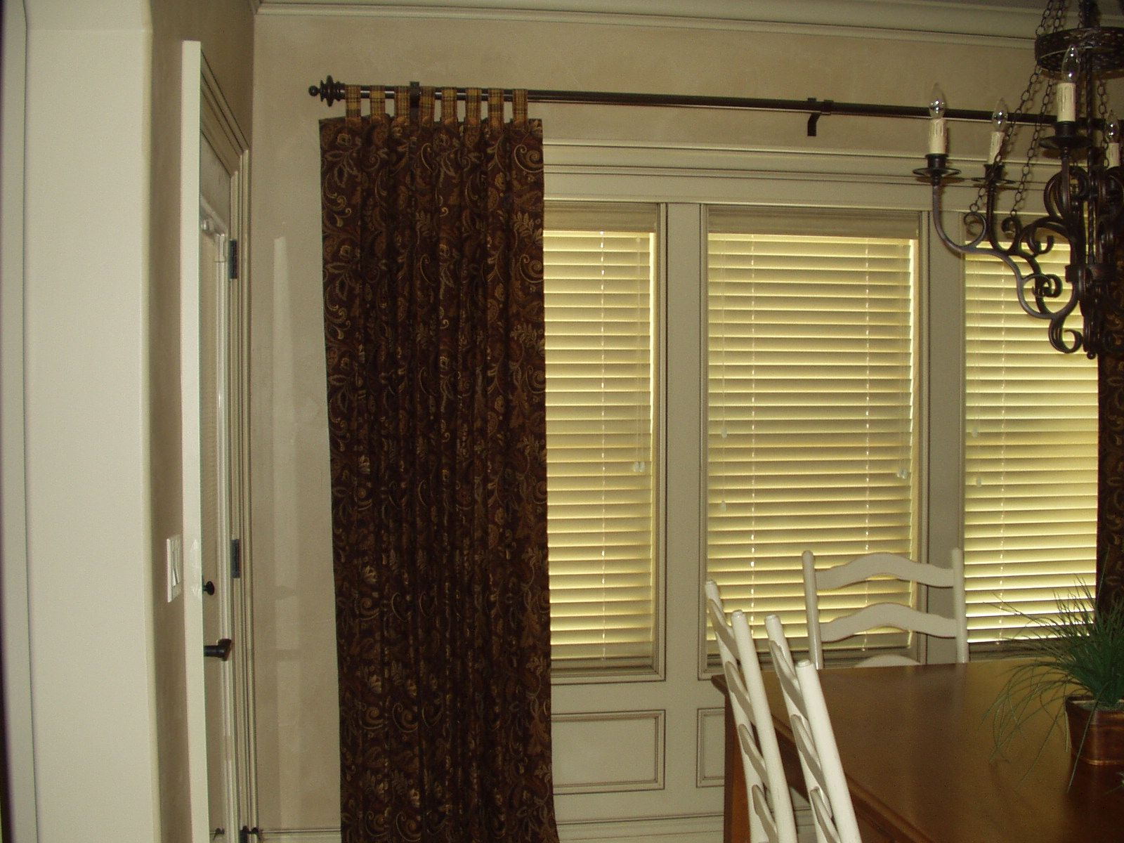 Distressed Whitewash Faux Wood Blinds Curated By Eurotek Blind Factory 203 171 Commercial Drive Ke Faux Wood Blinds Cheap Curtains Custom Blinds