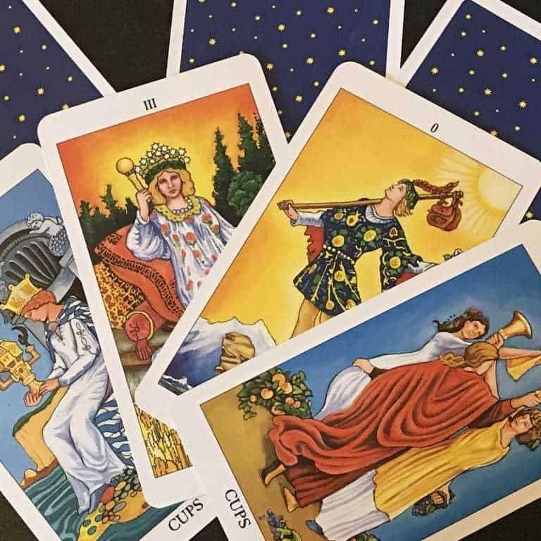 Apprendre Le Tarot Divinatoire Gratuit Riche Et Zen En 2020 Tarot Divinatoire Gratuit Tarot Divinatoire Jeu De Tarot Gratuit