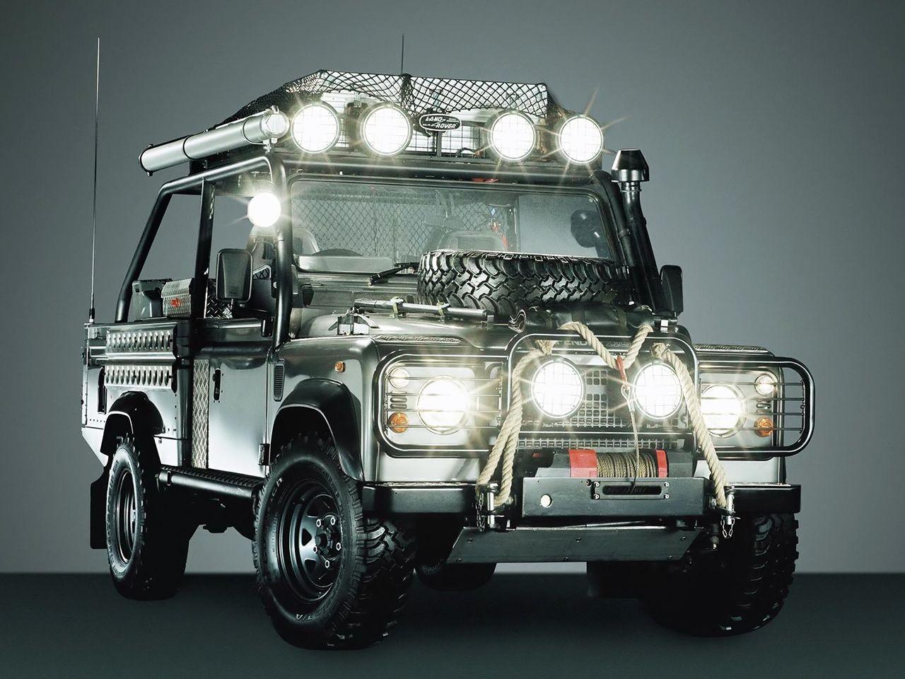 Land Rover Defender 90 Tomb Raider 2001