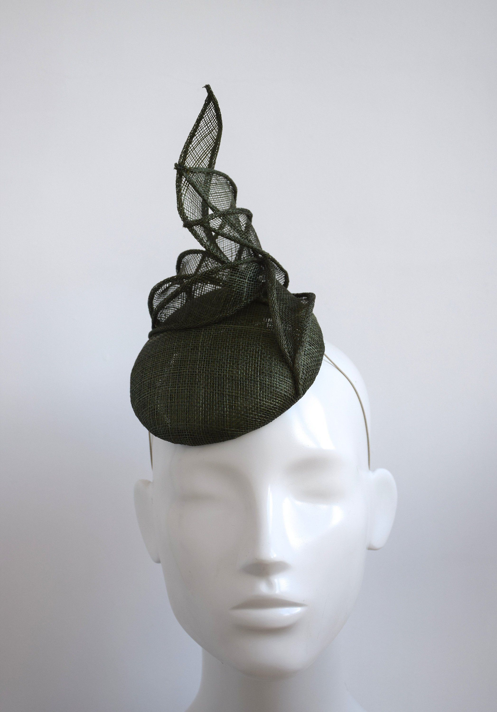 Olive Green Fascinator - Dark Deep Green Fascinator - Moss Green Wedding  Headpiece - Fern Green Fascinator - Race Day Fascinator - Fern by ... 258b074e00a