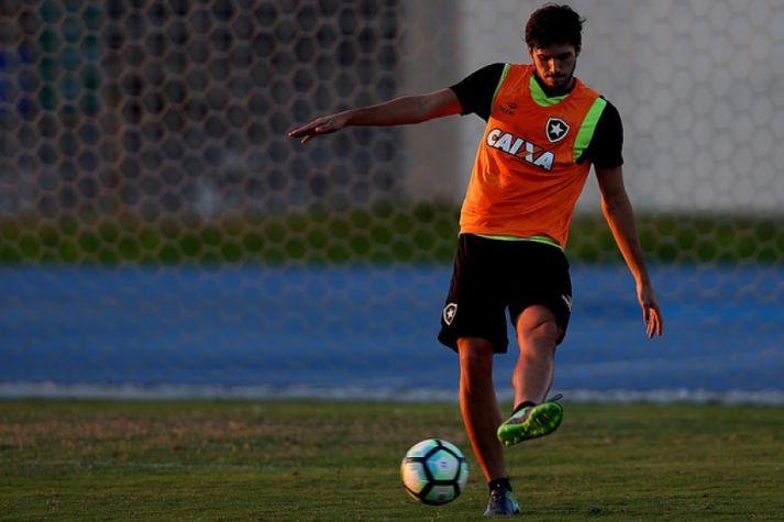 BotafogoDePrimeira: Botafogo pode ter duas novidades no time titular q...