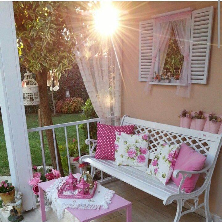 romantic lifestyle sweet home pinterest balkon dekorasyonu bah e ve ev dekorasyonu. Black Bedroom Furniture Sets. Home Design Ideas