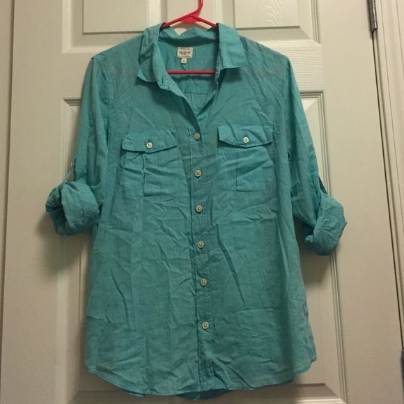 J Crew Turquoise Button Down Shirt Classic style that's perfect for any occasion. Only worn once but in excellent condition besides being a little wrinkly! J. Crew Tops Button Down Shirts